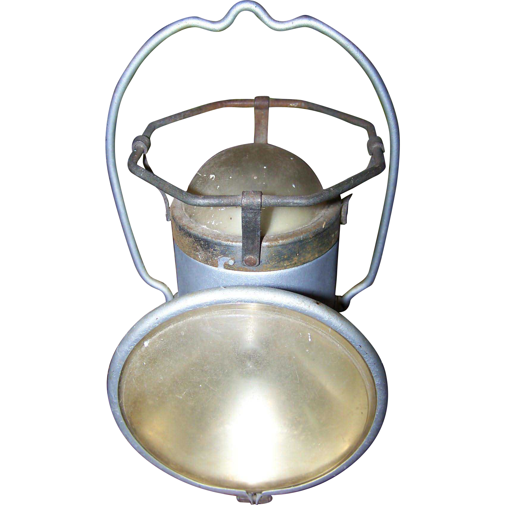 An Old Metal Ware  DELTA Powerlite Lantern Hand Held Railroad Battery Powered