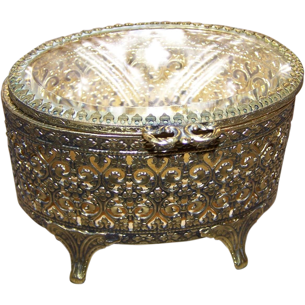 Lovely vintage open work metal ware ormolu stylejewelry for L furniture warehouse victoria bc