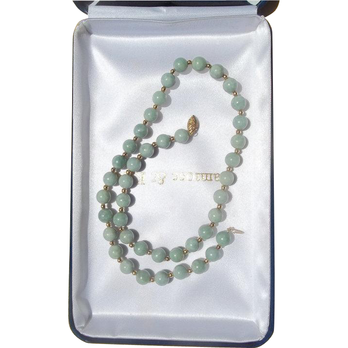"Vintage 20th Century 17"" Jadeite Green Bead Necklace 14K Gold Clasp"