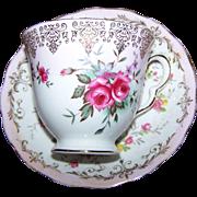 Pretty Vintage Rose Floral Pattern Tea Cup Saucer Set Queen Anne England