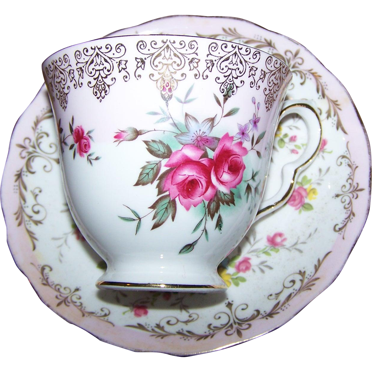 Pretty Vintage Rose Floral Pattern Tea Cup Saucer Set Queen Anne England