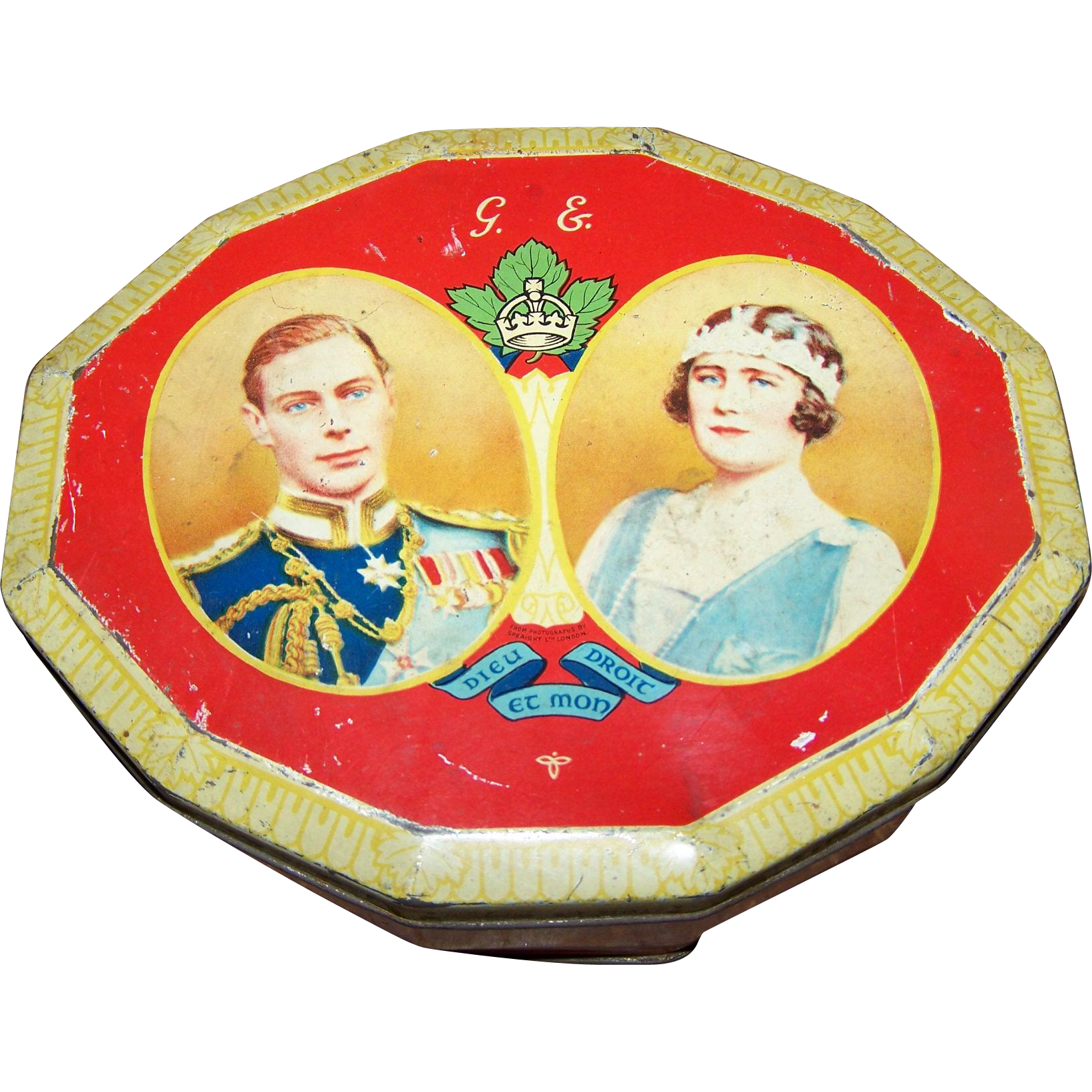 Portrait Double Royalty Tin Souvenir of Visit 1939  Harry Vincent  Blue Bird Advertising Tin