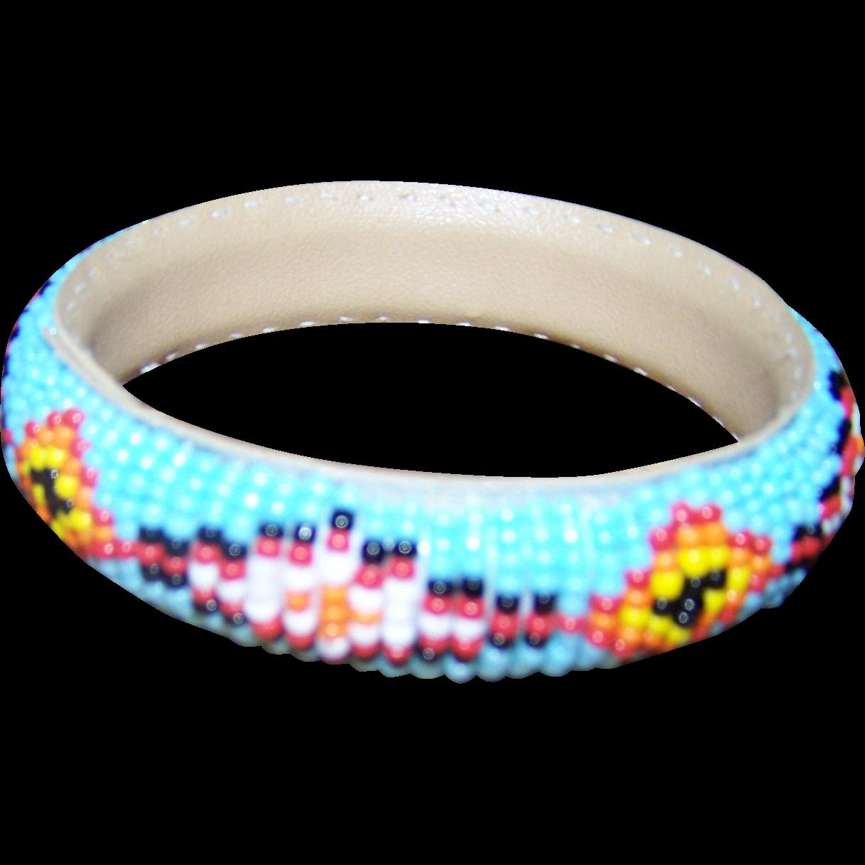 A Lovely Vintage Native American Seed Glass Bead Bangle Bracelet