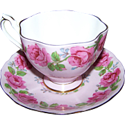Pretty In Pink Rose Floral Pattern Queen Anne England Tea Cup & Saucer Set