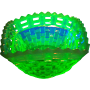 Fenton Basketweave  Canary Yellow Opalescent  Vaseline Glass Bowl Dish Glows Under UV Lite