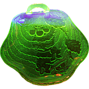 A Wonderful Indiana Charlie Green Uranium Depression Glass Nappy Dish Glows Under UV