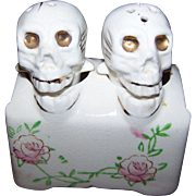 Creepy Novelty  Skeleton Skull Salt & Pepper Shakers PATENT TT Bobblehead Nodder Hand Painted Japan