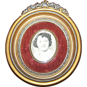 1950's Era Decorative Ornate Cameo Creations  Frame Convex Glass Center with Photo