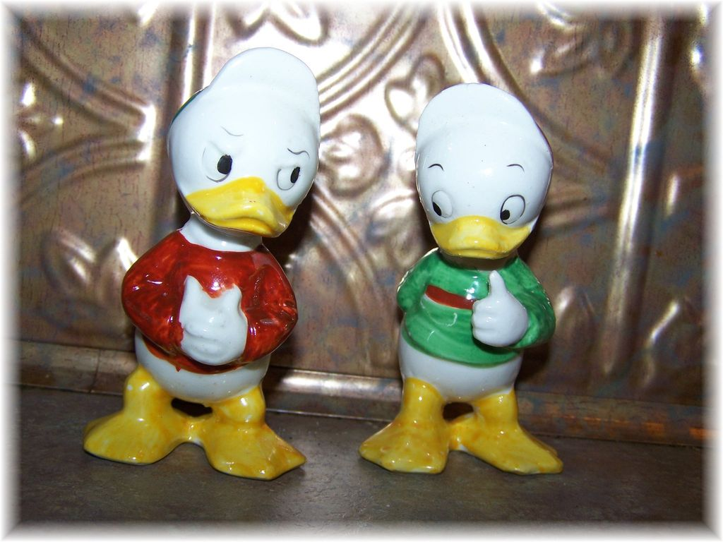 Donald Duck's Nephews Louie & Huey Salt & Pepper Shakers