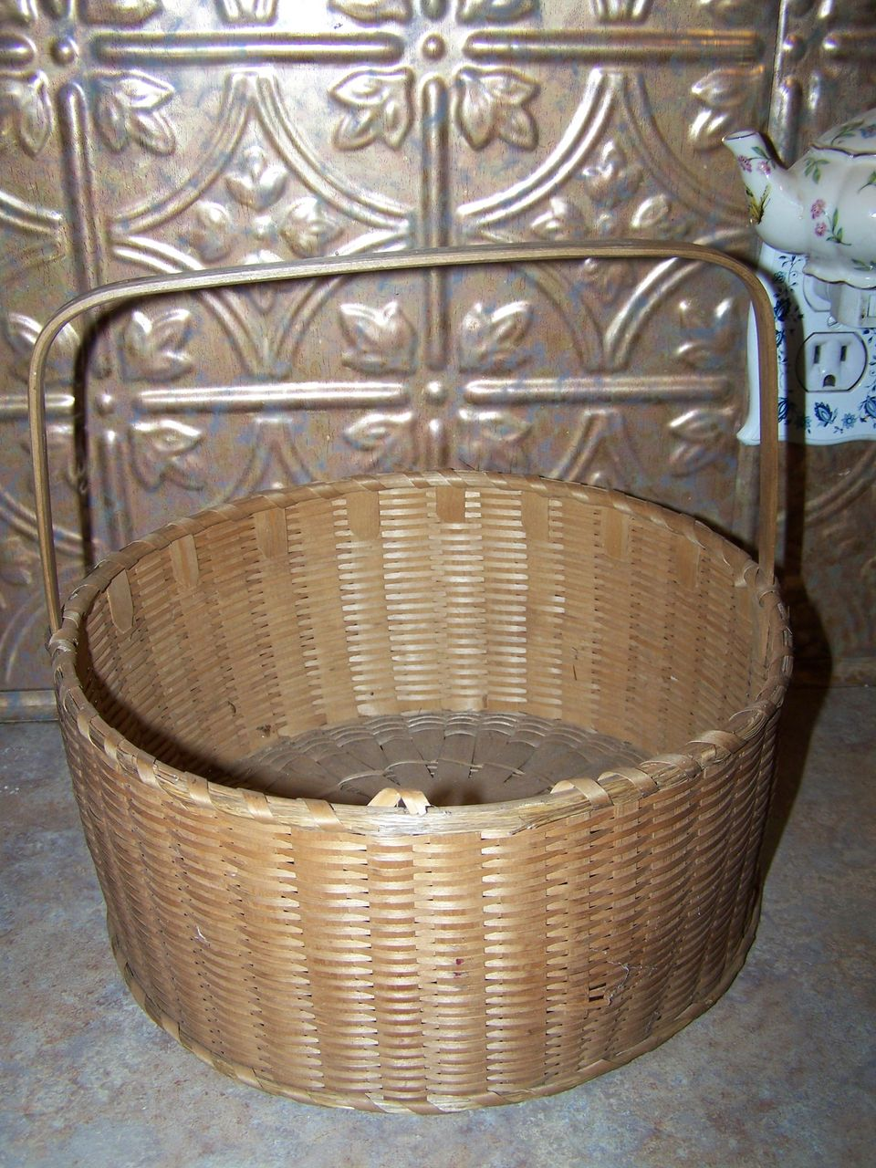 How To Weave A Sweetgrass Basket : Vintage hand woven sweet grass basket with original handle