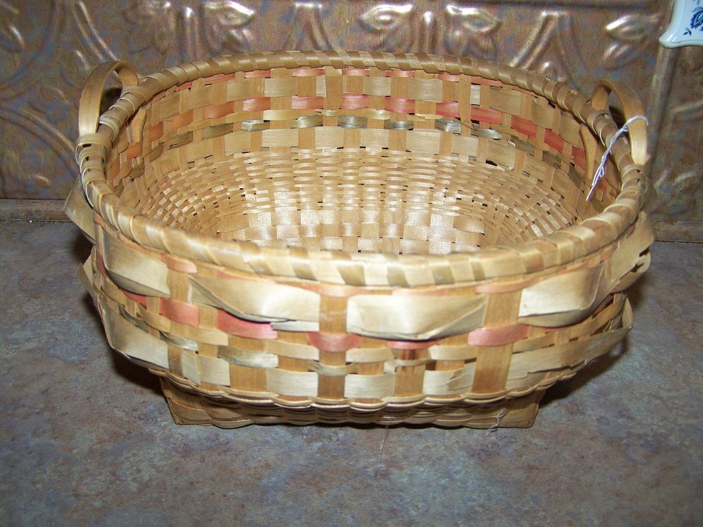A Vintage  Mi'kmaq Native  Hand Woven BasketWith Handles