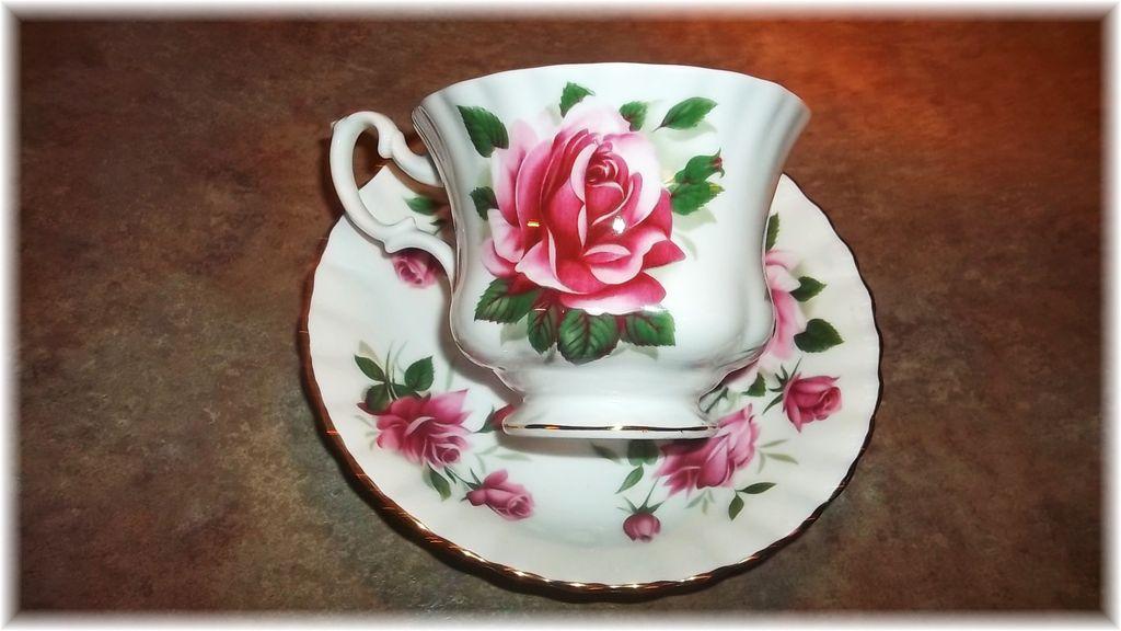 Vintage Royal Albert England Rose Floral Motif Tea Cup & Saucer