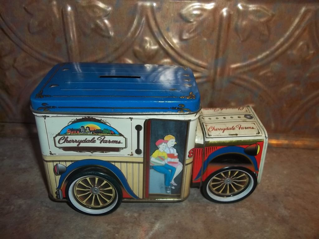 Charming Collectible Vintage Cherrydale Farms Tin  Litho Advertising  Bank  Truck
