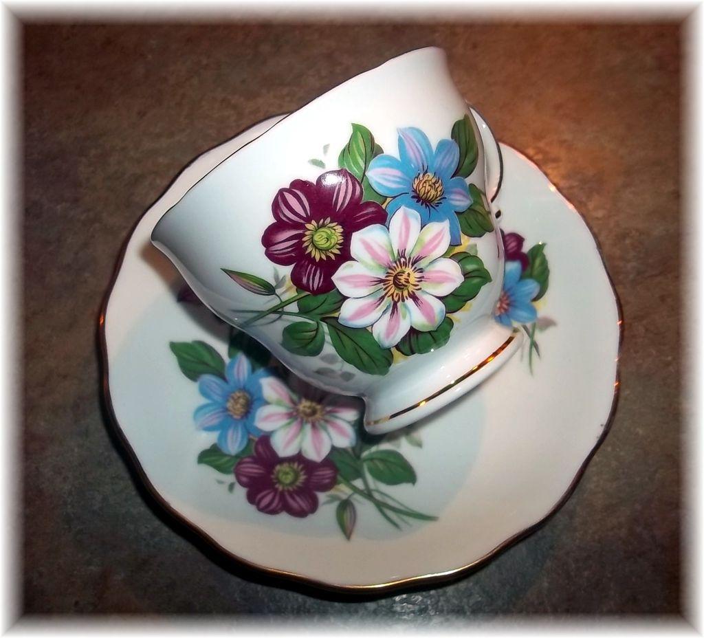 Unusual Vintage Floral Motif Tea Cup & Saucer Set Royal Vale