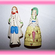 Ceramic Hand Painted Colonial Couple Salt & Pepper Figural Japan