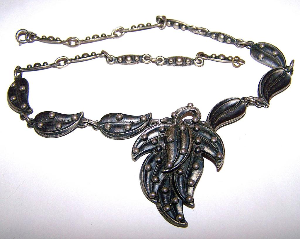 Substantial Decorative Metal  Organic Themed Leaf Pendant Necklace