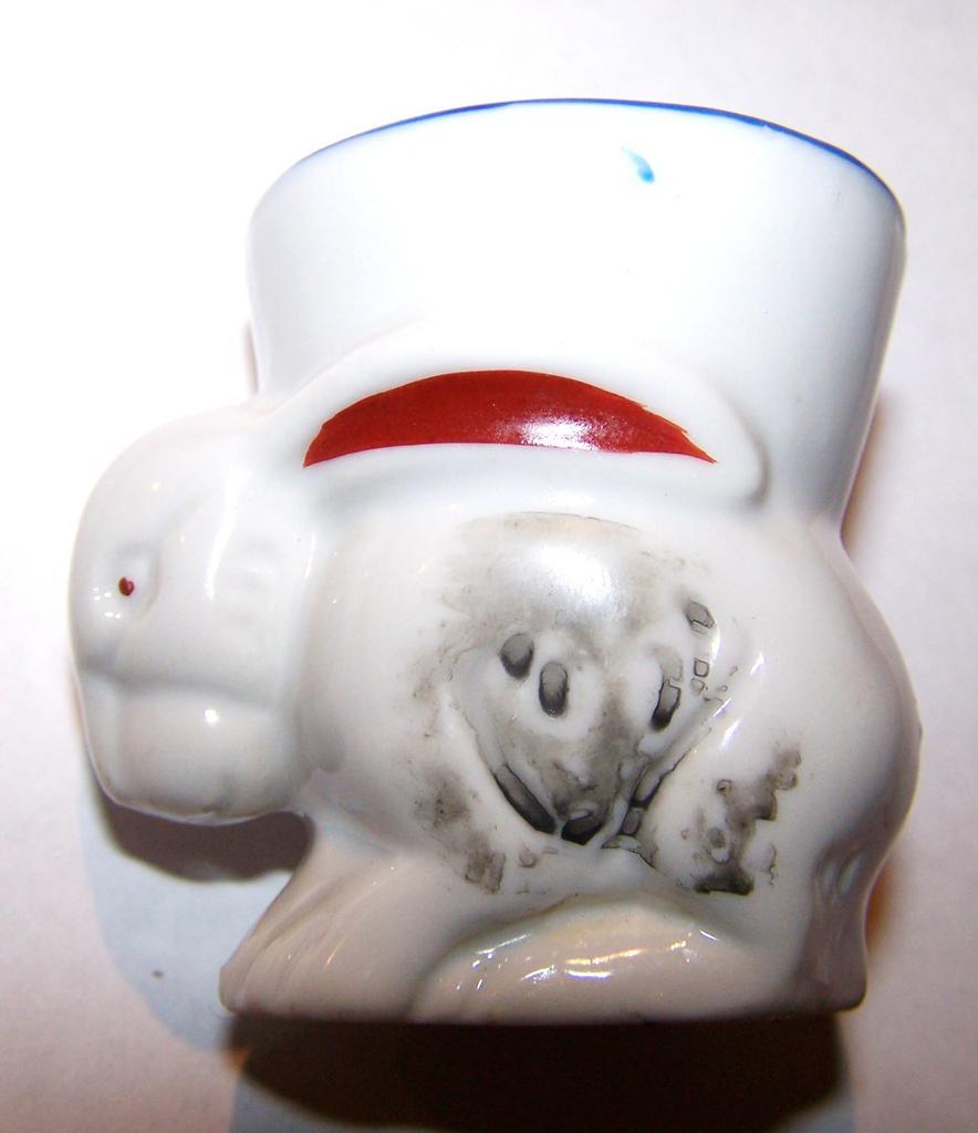 Figural Ceramic Bunny Rabbit Egg Cup MIJ