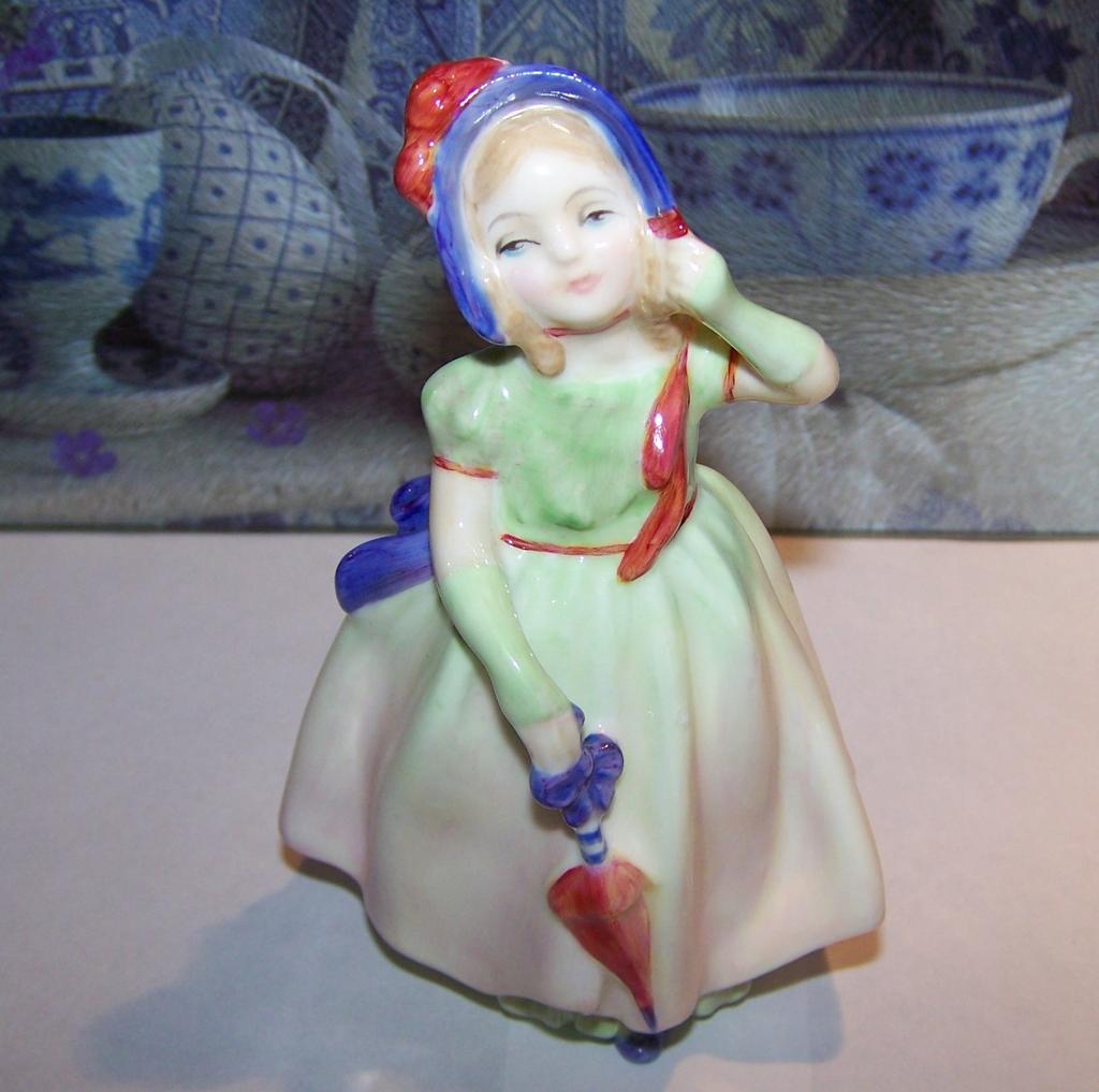 Royal Doulton China Figurine Babie H.N. 1679