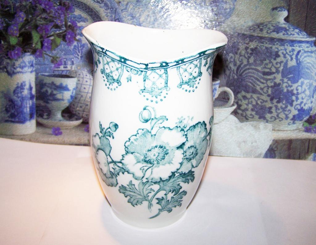 Aesthetic Movement  Era Toothbrush Holder / Vase Floral Motif