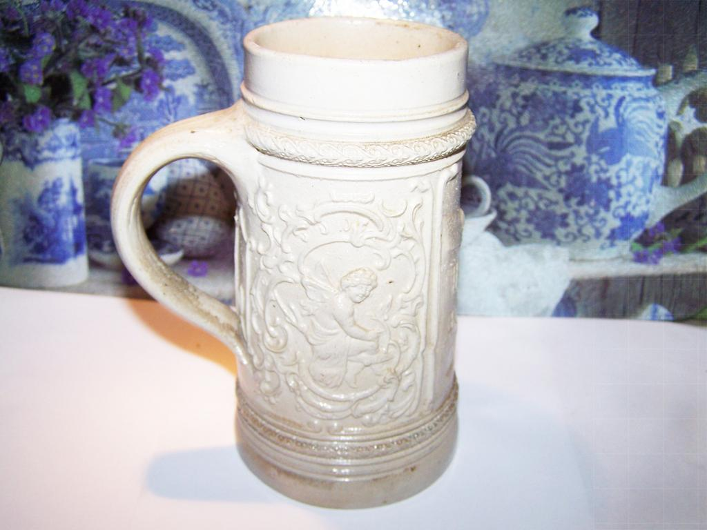 Decorative German Beer Stein  Het Bwarf Luis,  Putti ,  Leprechaun