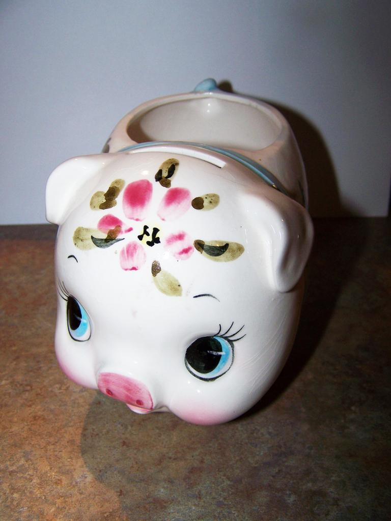 Ceramic hand painted piggy bank dollar holder relpo japan for How to paint a ceramic piggy bank