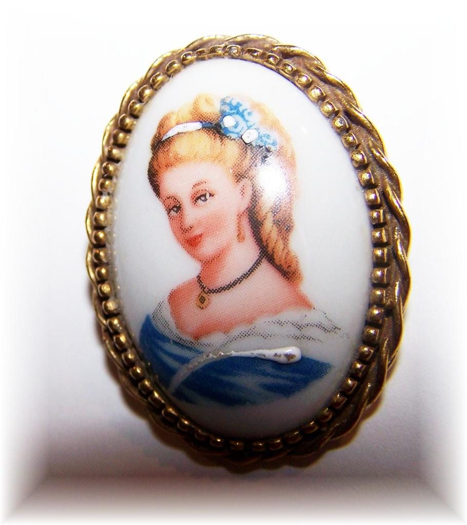Limoges Made In France Porcelain Goldette Signed Portrait Pin / Brooch