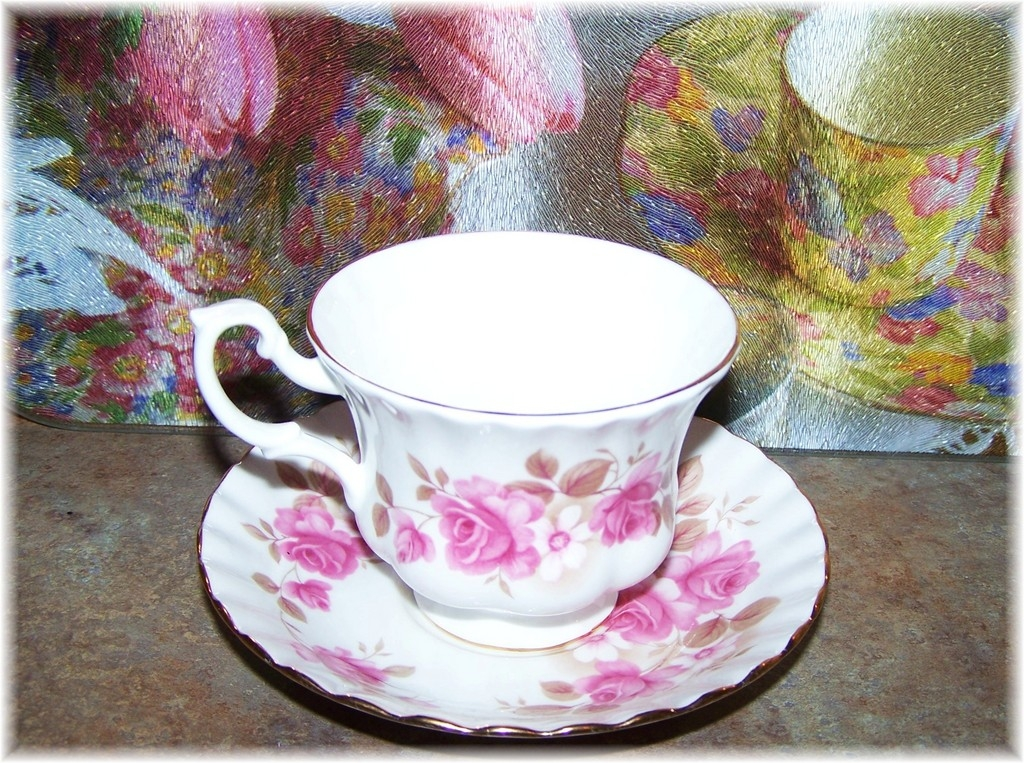 Royal Albert Bone China Roses Motif Tea Cup & Saucer