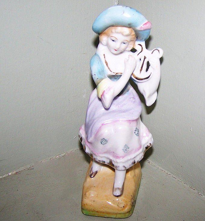 Decorative Colonial Lady Figurine ~ Musical Lyre / Harp