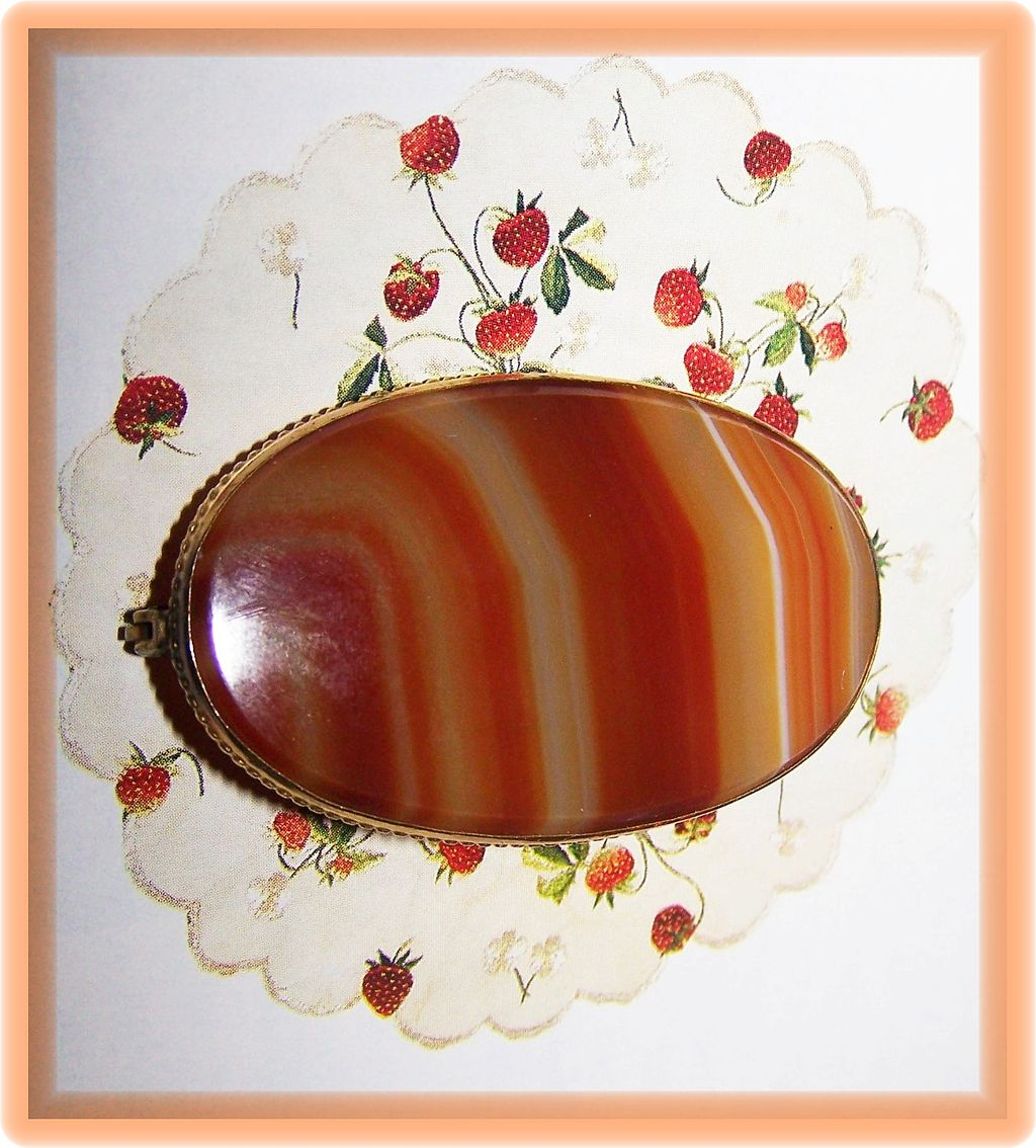 Lovely Quality Banded Agate Brooch