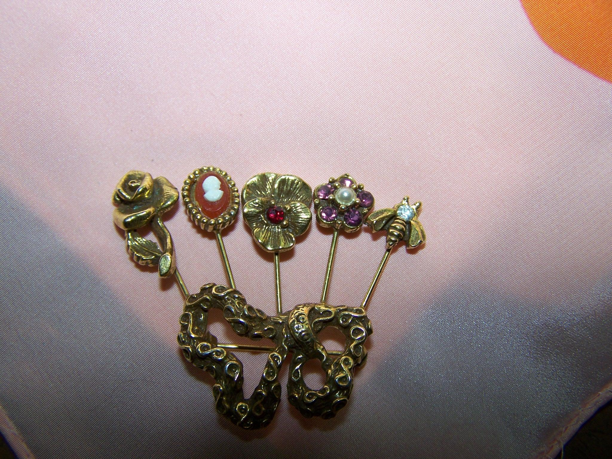 Vintage Goldette Style Faux Stick Pin Brooch / Pin Flowers, Bee & Faux Cameo