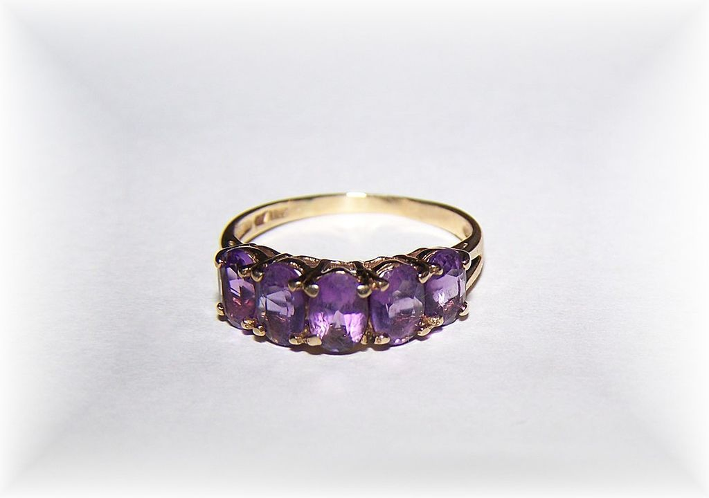10 ct  Gold Purple CZ Stone Ring Ladies Size 8
