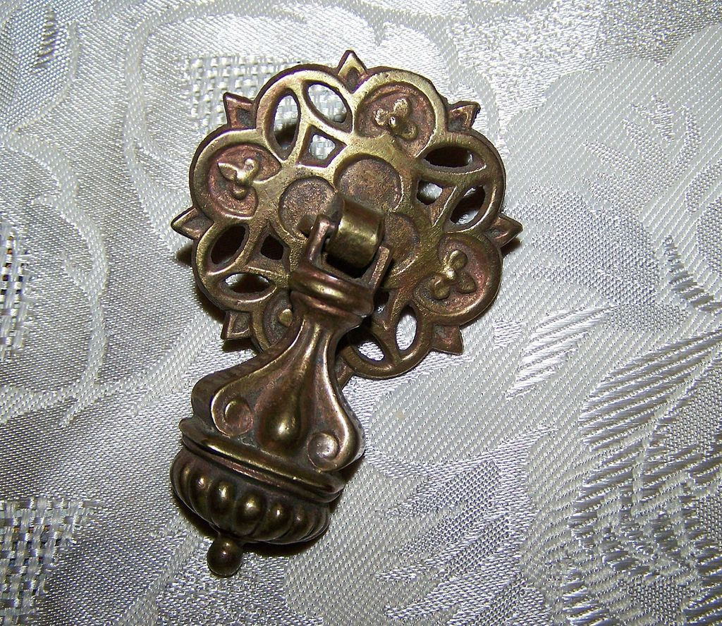 Decorative Vintage Metal Drawer Pull Handle Knob From