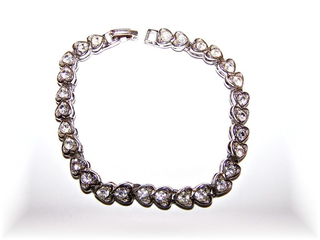 Beautiful Vintage Heart Rhinestone Bracelet  Linked Tennis Style
