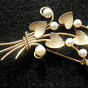 Fine 14K YG Floral Brooch with Cultured Pearls