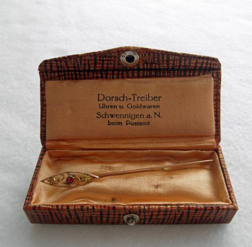 Attractive 10K Victorian Stick Pin Boxed