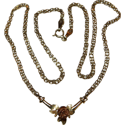 14K Yellow Gold Necklace With Sculptured Rose
