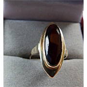 Antique 14K Yellow Gold Garnet Ring