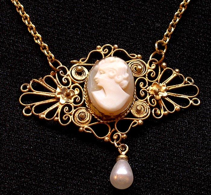 Great Art Nouveau Shell Cameo Necklace