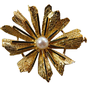 Vintage 18K YG Flower Brooch With Cultured Pearl