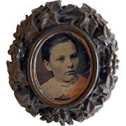 Victorian Gutta Percha Brooch With Tintype