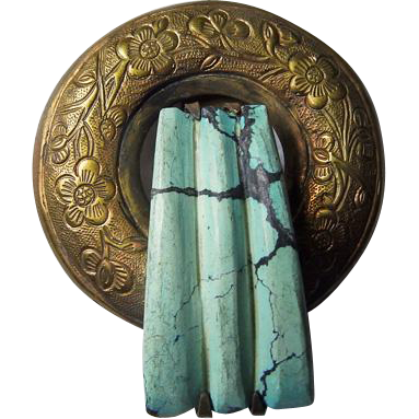 Vintage Chinese Fur Clip With Turquoise