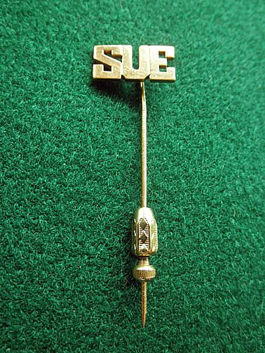 "Fine 14K YG  ""SUE""  Stick Pin"