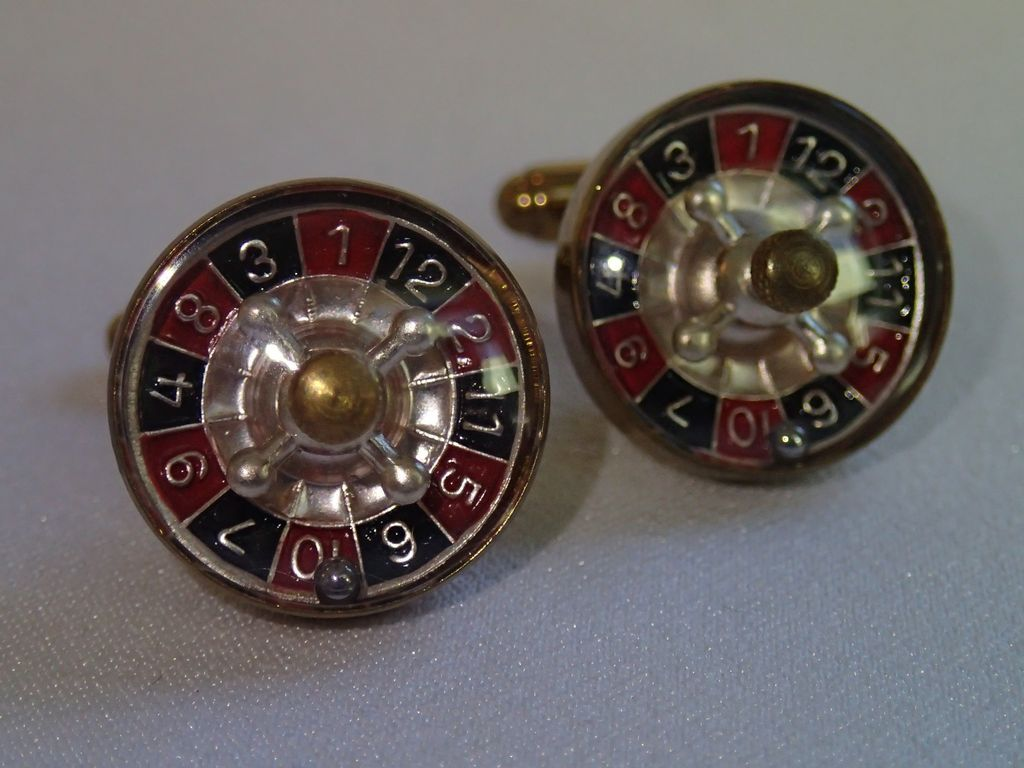 vintage roulette wheel cuff links made in austria sold on ruby lane. Black Bedroom Furniture Sets. Home Design Ideas