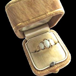 Vintage 14K Yellow Gold Australian Opal Ring Three Stone Triplet