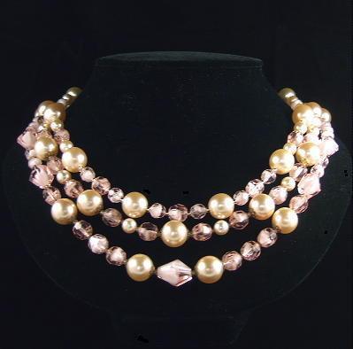 Retro Pink Givré Glass Faux Pearl Triple Row Bib Necklace