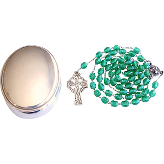 Vintage 1961 Green Glass Rosary with Trinket Box – Rare Irish Silver Hallmarks