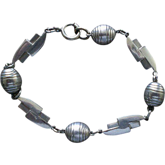 """Awesome 1930's Euro Style Handwrought BAUHAUS Streamline Moderne Silver Plated """"Barrels + Bolts"""" GEOMETRIC BRACELET"""