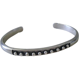 "1950s Mid-century STUDIO Handwrought Solid Sterling Silver Modernist Beaded ""KNOB"" CUFF BRACELET"