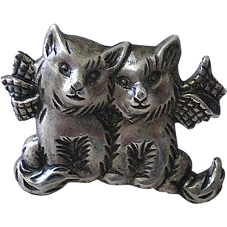 "Endearing Early BEAU STERLING 1940s ""Cat Couple with Bows"" Silver PIN BROOCH"