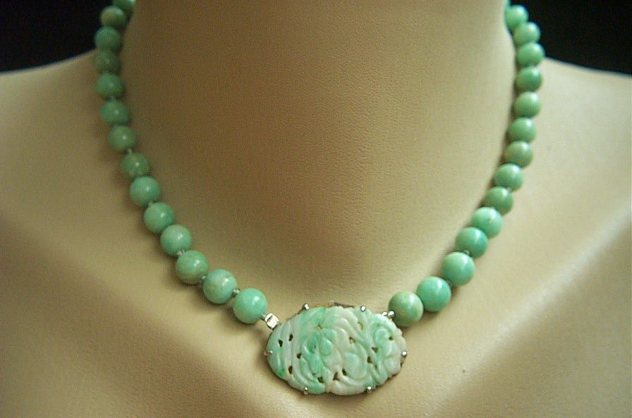 Exquisite sterling necklace of antique jadeite jade beads for Pictures of jade jewelry